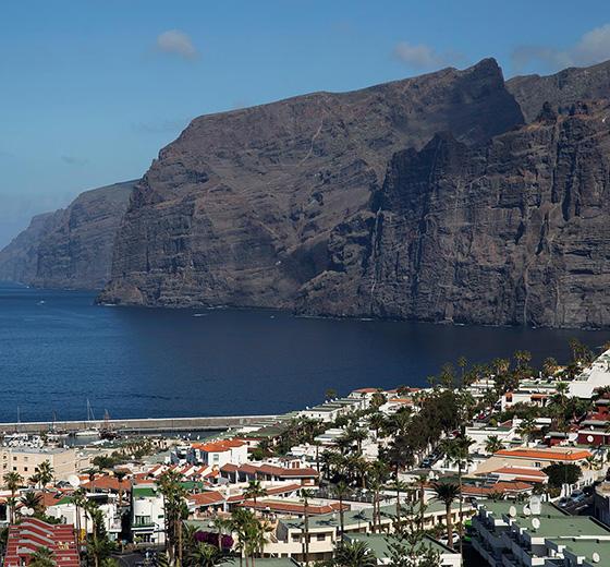 Vue panoramique des falaises de Los Gigantes