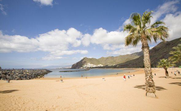 Panoramique de la Plage de Las Teresitas à Tenerife